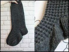Lankakori Sekaisin: JULES-sukat Crochet Socks, Knitting Socks, Knit Crochet, Woolen Socks, Leg Warmers, Mittens, Knitting Patterns, Slippers, Crocheting