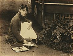 Georgia O'Keeffe painting at Alfred Stieglitz's Summer home in Lake George, NY, (via J. Alfred Stieglitz, Georgia O'keeffe, Wisconsin, Louise Bourgeois, New Mexico, Johann Wolfgang Von Goethe, O Keeffe, New York Art, Lake George