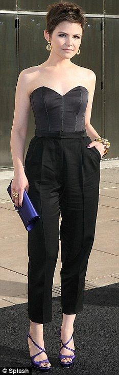 One of my favorite actresses - Ginnifer Goodwin in an awesome jumpsuit. Ginnifer Goodwin, Cut And Style, Her Style, Short Pixie, Pixie Cuts, Asymmetrical Pixie, Gamine Style, Soft Gamine, Hair Styles 2016
