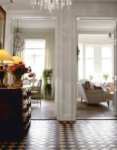A lovely house situated in Sweden with a french glamour Una dimora deliziosa in Svezia con un fascino tutto francese  French and Gustavian . Foyer Flooring, Bedroom Flooring, Vestibule, Mediterranean Living Rooms, Swedish Interiors, French Interiors, Interior Architecture, Interior Design, English House