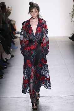 Adam Selman Fall 2017 Ready-to-Wear Collection - Vogue (Embroidered Sheer Trench Coat, Rodeo Embroidered Sheer Jeans) New York Fashion Week 2017, Fashion 2017, Runway Fashion, Fashion Outfits, Unique Fashion, High Fashion, Fashion Show, Fashion Design, Mode Unique