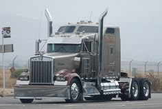 The photo of this 1953 Kenworth W900 was taken at the Kenworth Open house. Description from pinterest.com. I searched for this on bing.com/images