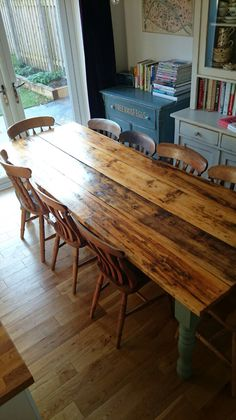 Farmhouse table plans & ideas find and save about dining room tables . See more ideas about Farmhouse kitchen plans, farmhouse table and DIY dining table Farmhouse Dining Room Table, Farmhouse Furniture, Rustic Table, Vintage Table, Large Dining Room Table, Diy Dining Table, Table Bench, Dining Rooms, Diy Esstisch