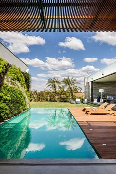 Neutral and Natural Tones - Piscina Backyard Pool Designs, Small Backyard Pools, Swimming Pools Backyard, Swimming Pool Designs, Pool Landscaping, Swiming Pool, Outdoor Pool, Piscina Diy, Piscina Rectangular