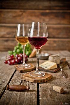 "mademoiselle-bazar: ""Verres de vin! """