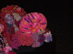 The colour formating here is excellent & the pink slug? Red And Pink, Sea, Halloween, Crochet, Color, Colour, The Ocean, Ganchillo, Ocean