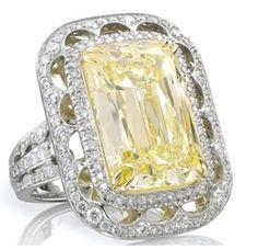 La bague au diamant jaune du joaillier Boodles     from Boodles       http://www.magic-vendome.com/fr/actualite-maisons-joaillerie/boodles-joaillerie/la-bague-au-diamant-jaune-du-joaillier-boodles/#