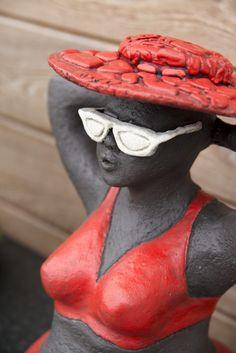 Fat Madammen und Mister M. Paper Mache Sculpture, Sculpture Art, Chubby Ladies, Projects To Try, Clay, Graffiti, Dolls, Men, Beauty