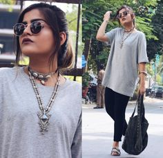 Layer your necklaces like That Boho Girl to get this beautiful look. Learn how to wear a choker so you don't look like a joker. Casual Chic Outfits, Boho Outfits, Trendy Outfits, Fashion Outfits, Fashion Ideas, Choker Outfit, Boho Fashion Summer, Fashion Blogger Style, Boho Girl