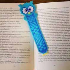 "10 aprecieri, 2 comentarii - Sofie Damgaard Vindum (@sofievindum) pe Instagram: ""New Home made bookmark 😆 📚 👓 #CantStopTheCreativity #hama #owl #minihama #bookmark"""