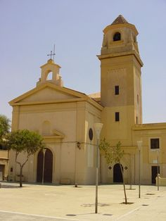 Almería - Iglesia San Roque  - photo: Robert Bovington  #Almeria #Andalusia #Spain #España http://bobbovington.blogspot.com.es/2013/05/almeria-by-robert-bovington.html