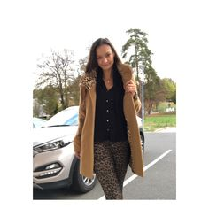 Trendy leoprint combined with camel 🧥 coat Camel Coat, My Style