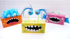 Tissue Box Monsters - Super Simple - - Looking for a spooky Halloween craft to do with the kids? Here are some Tissue Box Monsters! The perfect way to recycle those kleenex boxes! Kleenex Box Crafts, Tissue Box Crafts, Cardboard Box Crafts, Tissue Boxes, Monster Party, Monster Box, Recycled Crafts Kids, Crafts For Boys, Toddler Crafts