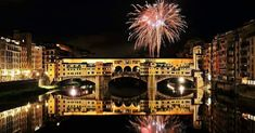 Florence's Ponte Vecchio under fireworks, Tuscany, Italy Happy New Year 2016, New Years 2016, Italian Christmas Traditions, Places Around The World, Around The Worlds, Immaculée Conception, Christmas In Italy, Christmas Time, Christmas Gifts