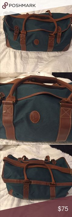 Very cute Polo Ralph Lauren large duffle bag  Very cute Polo Ralph Lauren large duffle bag  Perfect for a weekend bag or a carry on bag Polo by Ralph Lauren Bags Travel Bags