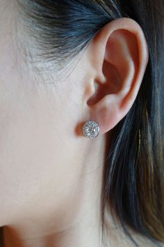 1 25 Ctw Round Halo Stud Earrings Flawless D By Tigergemstones Man Made Diamonds Diamond Simulant