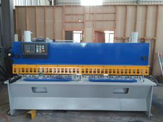 small hydraulic guillotine shearing machine Q11Y-X2500mm with Siemens motor and with ball screw as its backgauge.