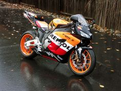 Honda CBR 1000RR Repsol Edition I love the bright colors and amazing performance of this race-inspired bike!