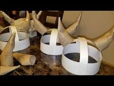 A quick simple diy on how to make a paper mache helmet. Kids Viking Costume, Vikings Costume Diy, Viking Party, Viking Horn, Viking Helmet, Dragon Birthday, Dragon Party, Viking Christmas, Diy For Kids