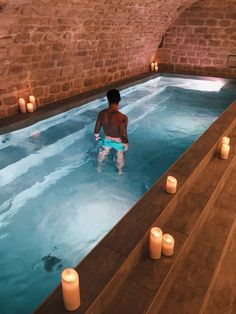 Hotel Swimming Pool, My Pool, Indoor Swimming, Swimming Pools Backyard, Maison Earthship, Earthship Home, Grotto Pool, Piscina Interior, Paradise Hotel