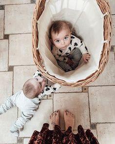 Domácí modurit — VERU HARNOL Bassinet, Furniture, Home Decor, Crib, Decoration Home, Room Decor, Home Furnishings, Baby Crib, Home Interior Design