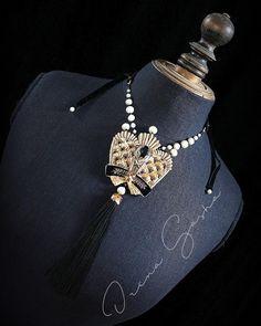 """いいね!457件、コメント8件 ― Irena Gashaさん(@irenagasha)のInstagramアカウント: 「Новый МК по вышивке """"Короны"""" доступен к покупке. А это то что я сделала из своего образца.…」"""