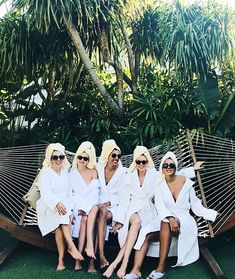 The Dos and Don'ts of Hosting a Bachelorette Party Spa Bachelorette Party Bachlorette Party, Spa Bachelorette Parties, Bachelorette Party Pictures, Bachelorette Party Decorations, Bachelorette Weekend, Bachelorette Gift Bags, Destination Bachelorette Party, Spa Party, Party Planning
