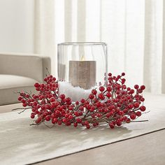 Excellent Xmas decorations info are available on our web pages. Have a look and you wont be sorry you did. Christmas Table Centerpieces, Gold Christmas Decorations, Christmas Table Settings, Holiday Decor, Red Christmas, Simple Christmas, Christmas Wreaths, Christmas Crafts, Red Berry Wreath