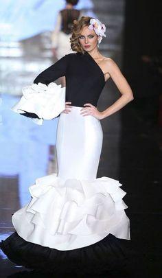 juana martin vestido flamenca - Buscar con Google