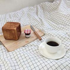 이름도 사랑스런 무우 식빵. 가장 베이직한 빵이 참 맛있는 bread&espresso #パンとエスプレッソと #breadespressoand #브레드에스프레소앤드 @b.e.and