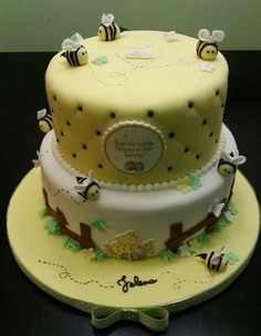 Winnie the Pooh Baby shower cake cakes I want to make Pinterest