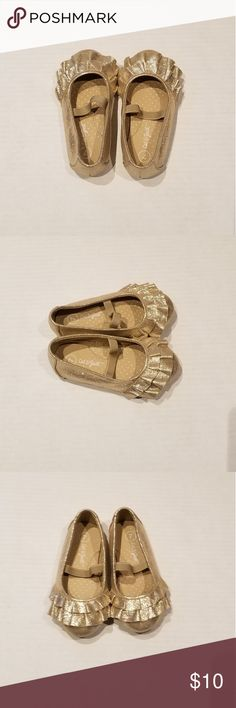 1ca83a8b825 Cat   Jack size 7 gold ruffle toodle girl shoe Gold ruffle toddle girl shoe