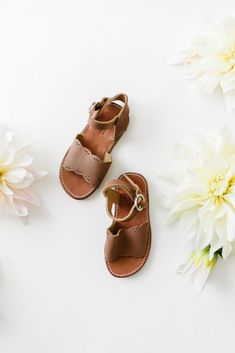 Can it just be sandal weather already so we can put our little girls in these! Little Girl Shoes, Girls Shoes, Little Girls, Baby Shoes, Sparkly Wedding Shoes, Sparkle Shoes, Baby Girl Nursery Decor, Vintage Designs, Leather Sandals