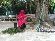 Always respect the locals! Photo credit: @melbonella  #Maldives #indianocean #tropics #island #Thulusdhoo #culture #tradition #thatch #coconut #liveauthentic #wanderlust #explore #vacation #destinations