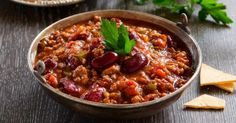 Chili recipe con carne fast and light to warm. Easy and quick to make, tasty and dietetic. Ingredients, preparation and associated recipes. Chili Con Tofu, Veggie Chili, Chicken Chili, Healthy Chili, Pepper Chicken, Turkey Chili, Best Chili Recipe, Chili Recipes, Mexican Food Recipes