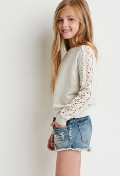 FOREVER 21 girls Crochet Paneled Sweatshirt (Kids)-add lace to sweatshirt sleeves Tween Fashion, Little Girl Fashion, Trendy Fashion, Girls Fashion Kids, Outfits Niños, Kids Outfits, Short Fille, Forever 21 Girls, Jupe Short