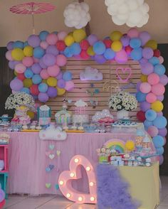 #chuvadeAmor by @veronicadanydecoracoes ☁ #festejandoemcasa #chuvadeAmorfc #festachuvadeamor