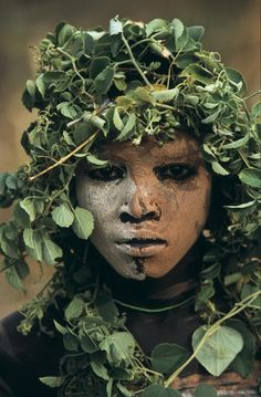 "Hans Silvester ""Natural Fashion. Tribal Decoration from Africa""."