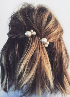 pearl bobby pins hairdo for a middle lenght hair #hairstyle