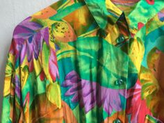 Hawaiian shirt, colorfull shirt, mens shirt, hipster shirt, fun shirt, hawaiian colors shirt, colourfull shirt, flower shirt, 80s mens shirt door VintageVicenti op Etsy