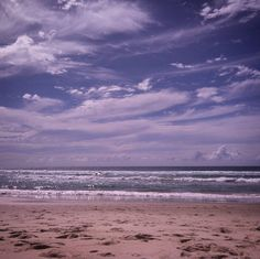 Such a delightful #cloud sky today. Was completely in awe of the #magnificence at #currumbinbeach by julia_pannell http://ift.tt/1X9mXhV