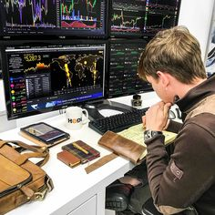 Think well Man and start a new life with small you have DM NOW TO GET STARTED TRADING canada dubai southbeach bitcoin onlinejob blockchaintechnology india boi businesscasual banarytrader pakistanistreetstyle unitedkingdom marketing . Pc Setup, Room Setup, Home Office Setup, Home Office Design, Trading Desk, Computer Desk Setup, Trade Finance, Day Trader, Studio Setup
