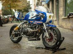A beautiful BMW Caferacer Cafe Racer Girl, Custom Cafe Racer, Cafe Racer Bikes, Cafe Racer Motorcycle, Women Motorcycle, Motorcycle Quotes, Motorcycle Helmets, Bike Bmw, Moto Bike