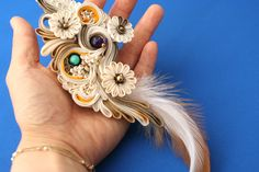 Japanese hair accessory for kimono by Himeko つまみ細工「風神/志那都比古神 (Shinatsuhiko no kami)」 This is a Japanese traditional crafts that use the silk