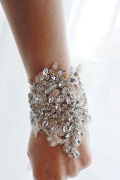 Rhinestone nupcial Cuff Bracelet brazalete por abigailgracebridal