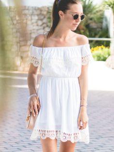 schulterfreies Kleid mit Spitzeneinsatz-weiß