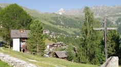 St-Luc and Chandolin, Valais  St-Luc and Chandolin are situated on the sunny eastern slope of the Val d'Anniviers (Eifischtal) and enjoy a majestic panorama.