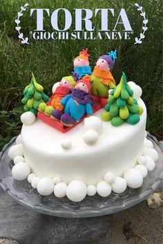 Una Slitta con Buffi personaggi infreddoliti che scendono su una Torta.