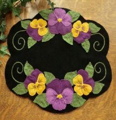 Pansy Beauty Wool Applique Candle Mat Pattern-Cath 's Pennies Designs Penny Rug Patterns, Wool Applique Patterns, Felt Patterns, Felt Applique, Summer Patterns, Embroidery Patterns, Quilt Pattern, Wool Embroidery, Hardanger Embroidery