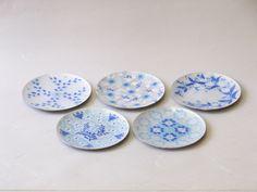 七宝焼 絵変わり 手作りプレート 5枚組 ブルー Decorative Plates, Japan, Tableware, Home Decor, Dinnerware, Decoration Home, Room Decor, Tablewares, Dishes